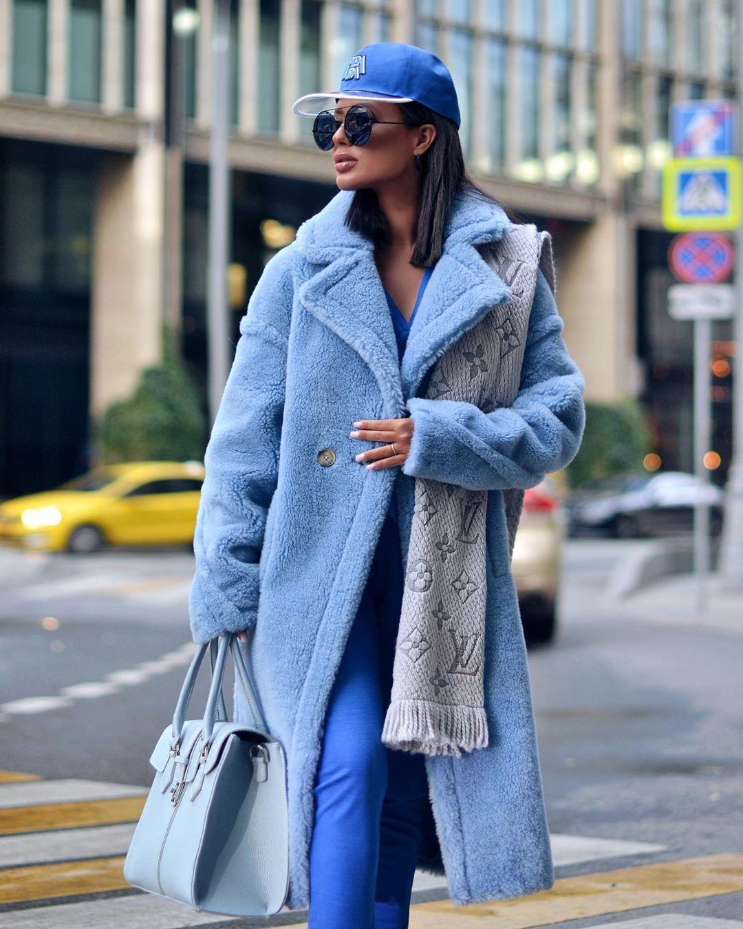 Голубое пальто фото 16