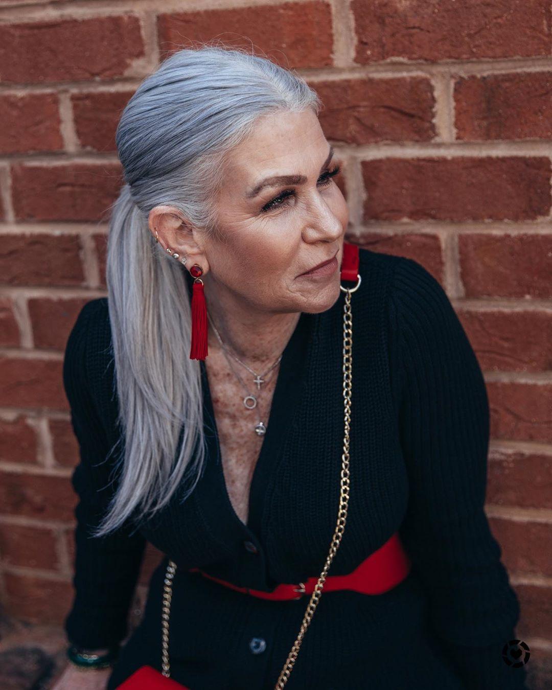 прически для женщин старше 50 лет фото 9
