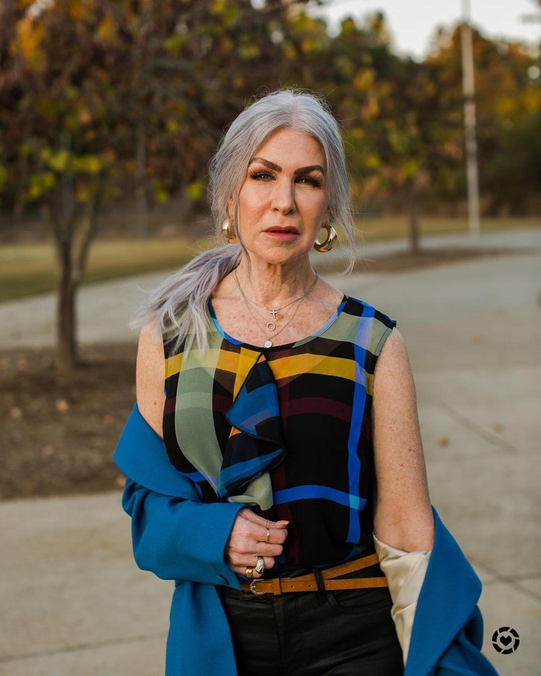 прически для женщин старше 50 лет фото 10