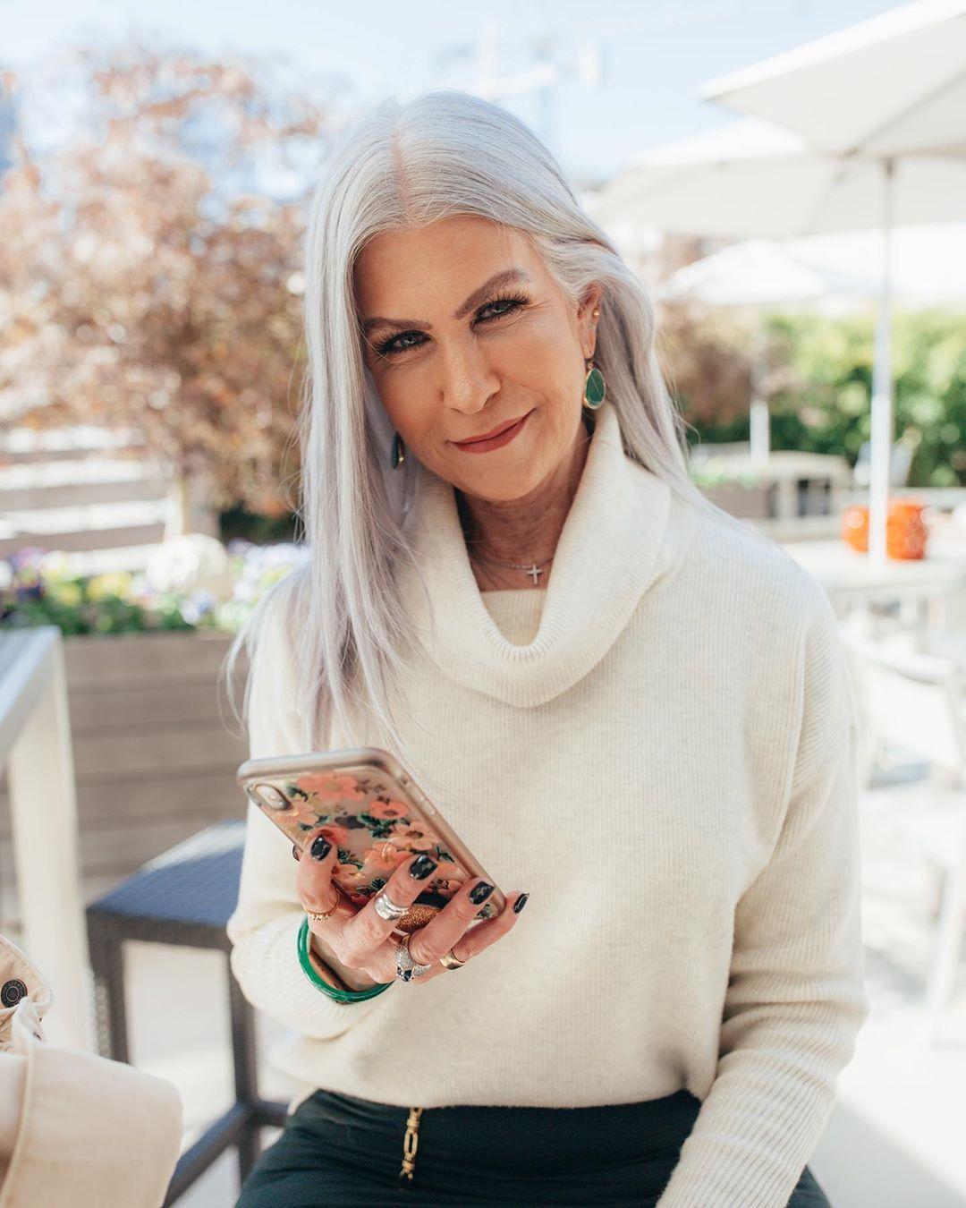 прически для женщин старше 50 лет фото 12