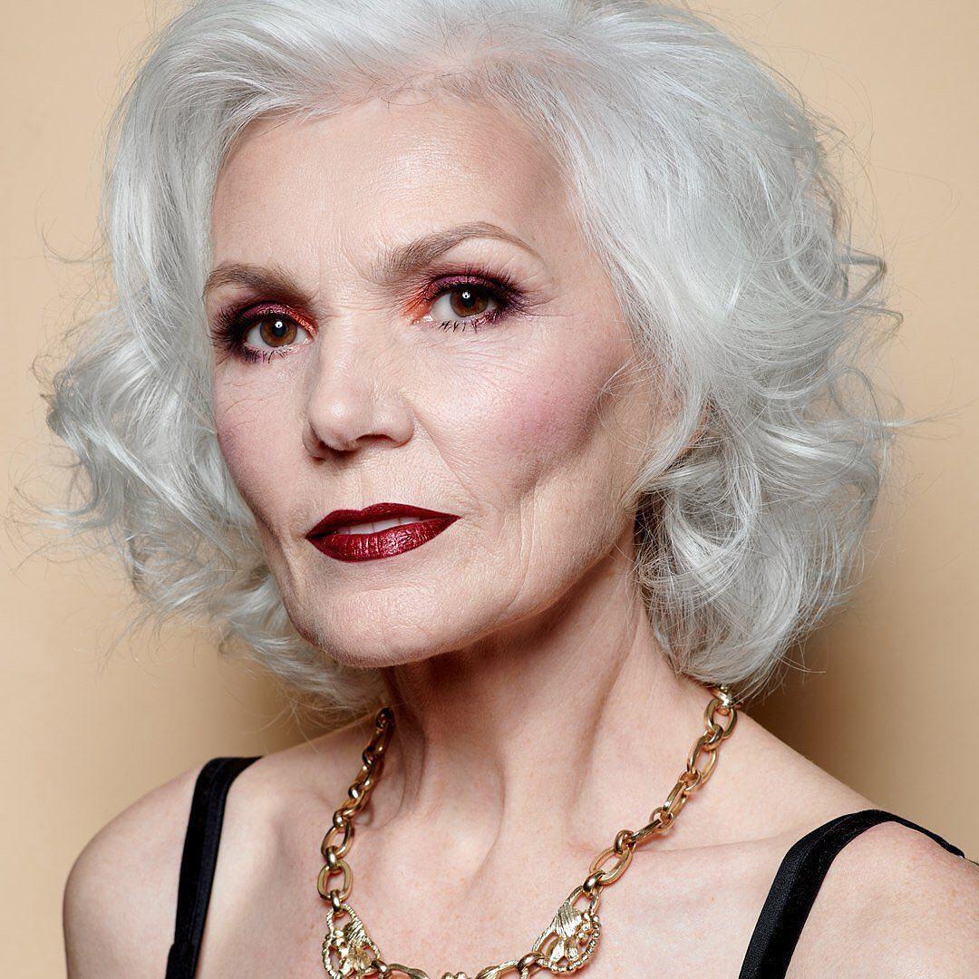 Прически для женщин старше 50 лет фото 6