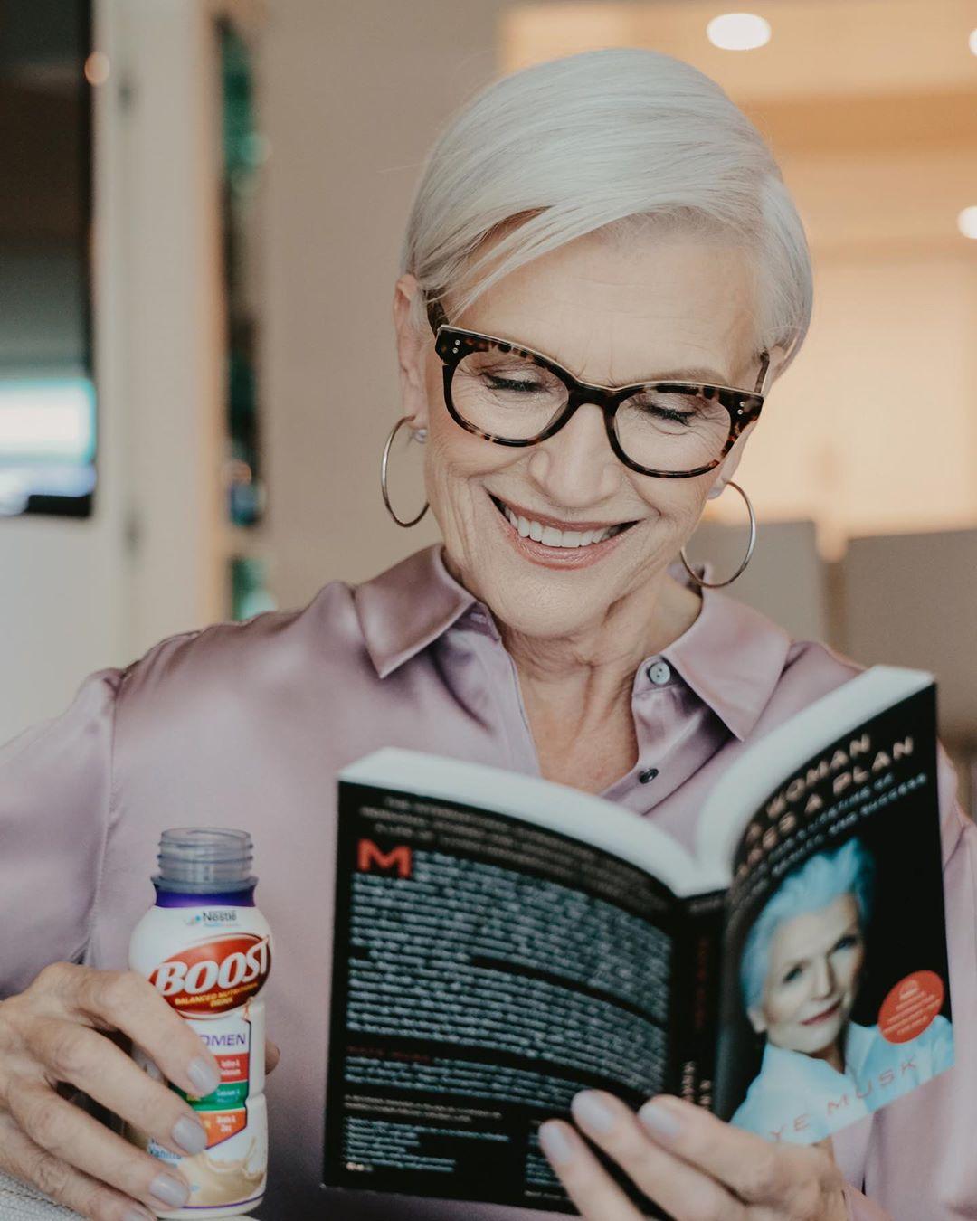 стрижки для пожилых женщин фото 14