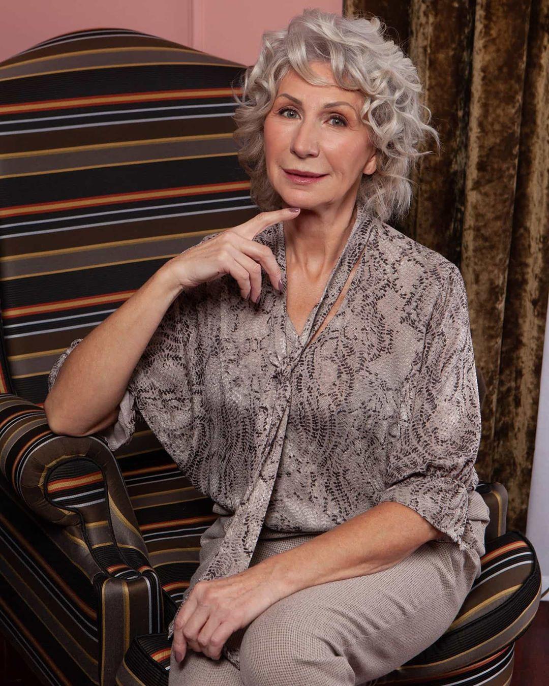 короткие стрижки для женщин после 50 лет фото 3